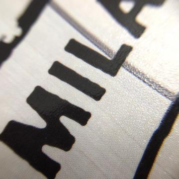 【ストーンペーパー(LIMEX)のポケットファイル】石灰石を原料とした紙の代替品ストーンペーパー(LIMEX)を使ったポケットファイルの制作事例です。
